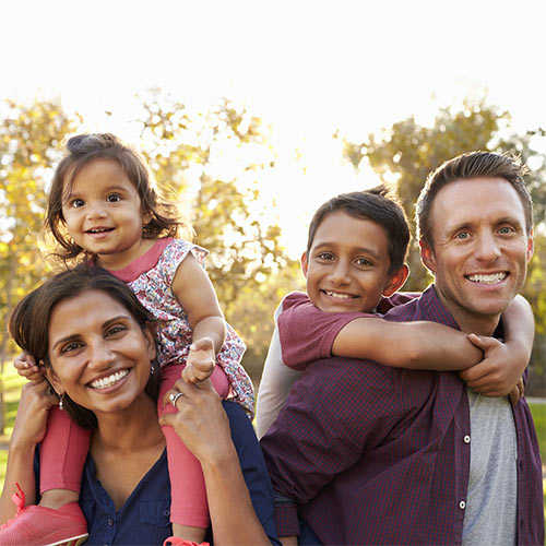 Behnan Maxwell Family Counseling smiling family